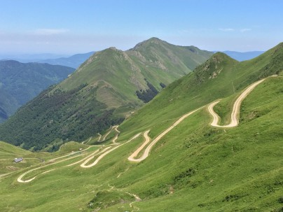 The road up from the Col de Pause
