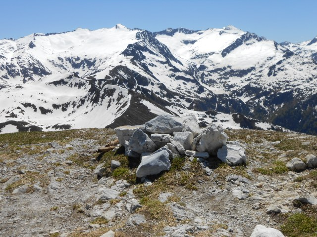 Mont Ceint summit -the new cairn