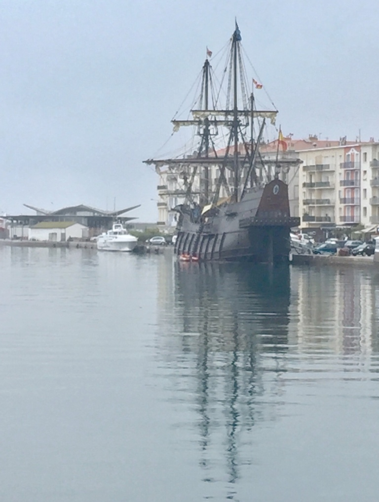 Sète canals tall ship